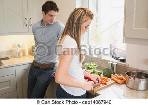 hombre y mujer en cocina