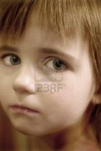 niña_expresión_tristeza