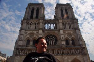 Luis Fernando Martínez en París