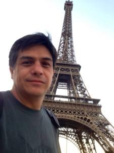 Axayacatl Campos en París