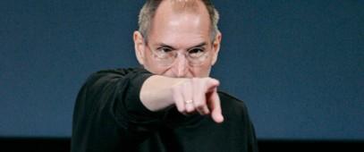 Steve-Jobs-Pointing-Finger-550x230