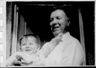 Papá Miguel y Fernando bebé